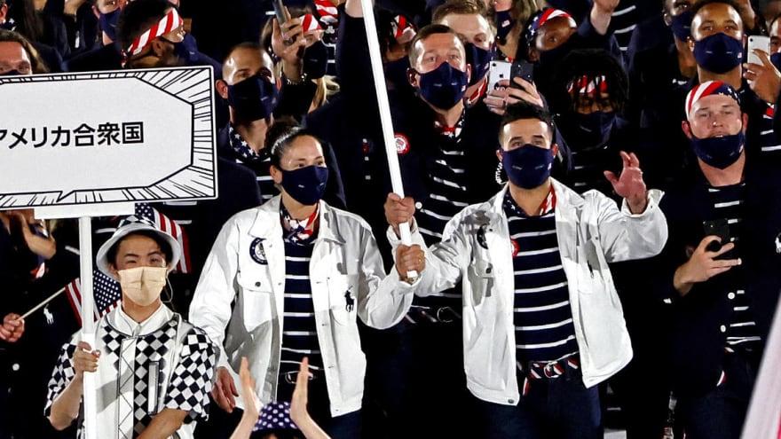 Eddy Alvarez, Sue Bird lead Team USA as flag-bearers