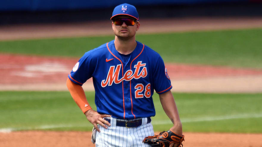 Mets place J.D. Davis on 10-day IL with bruised hand