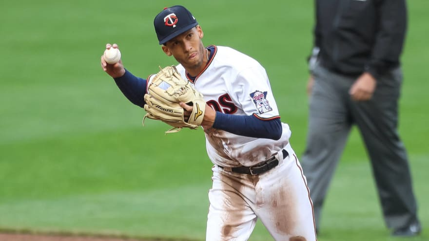 Andrelton Simmons tests positive for COVID-19