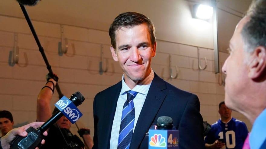 Eli Manning flips double bird on TV, apologizes