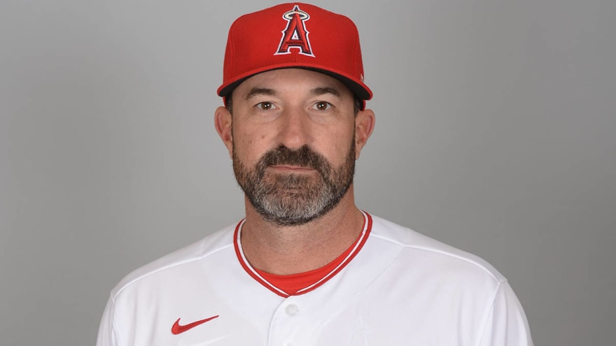 Mickey Callaway suspended amid allegations of lewd behavior