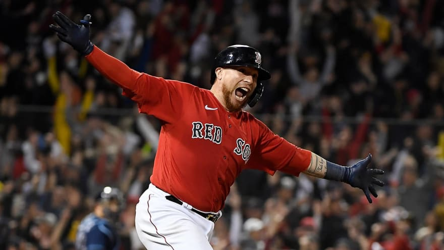 Boston's Christian Vazquez wins Game 3 on walk-off HR in 13th