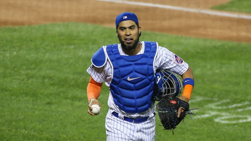 Robinson Chirinos signs minor-league deal with Yankees
