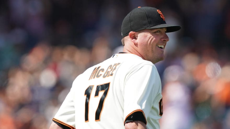 Giants place Jake McGee on IL with oblique strain