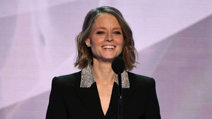Jodie Foster addresses Aaron Rodgers shouting her out in MVP speech