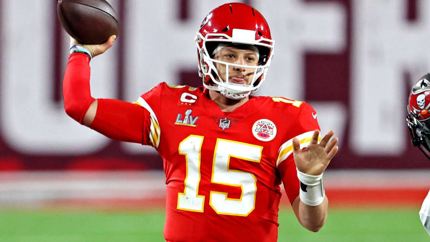 Mahomes on discusses sharing 'Madden' cover with Brady