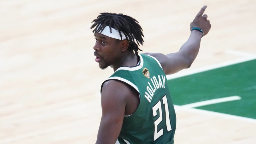 Bucks' Jrue Holiday reacts to clutch steal, alley-oop in Game 5 win over Suns