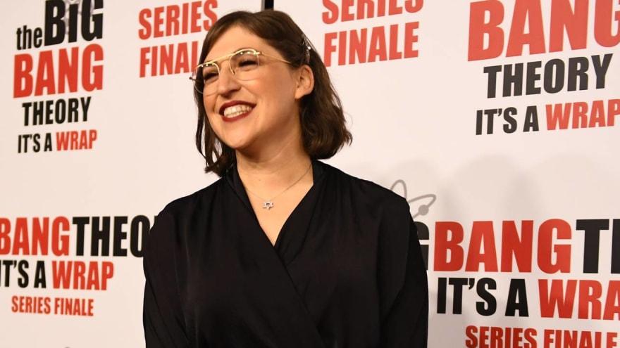 Mayim Bialik and Ken Jennings will split 'Jeopardy' hosting duties through December