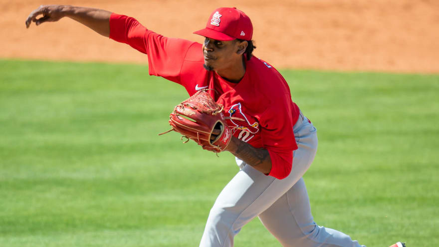 Cards' Reyes to pitch out of bullpen, Mikolas injured