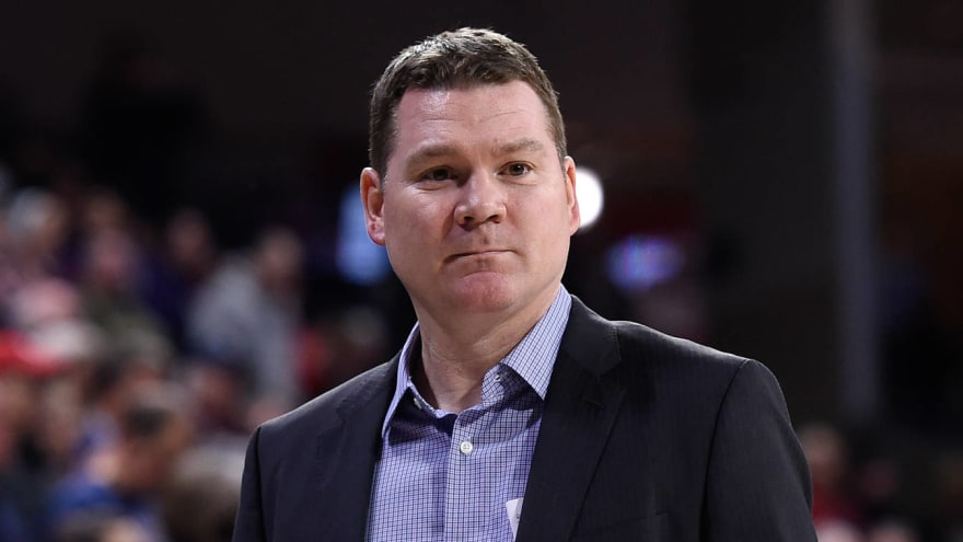 Arizona to hire Tommy Lloyd as new head coach