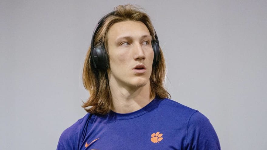 Trevor Lawrence posts photos showing his rehab from shoulder surgery