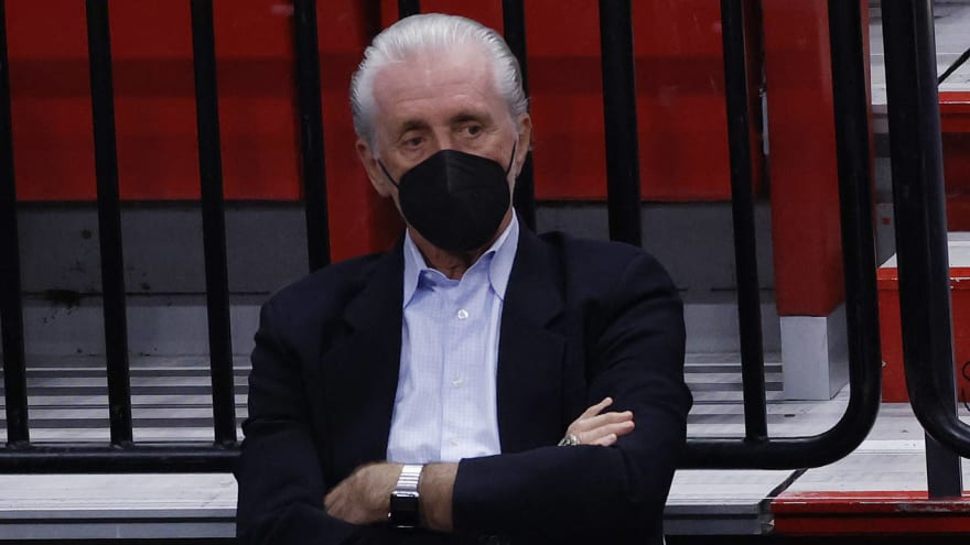 Riley hit with $25K tampering fine for comments about LeBron