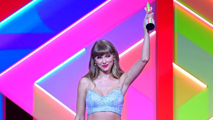 Taylor Swift surprises fans with rerecorded 'Wildest Dreams' after TikTok trend