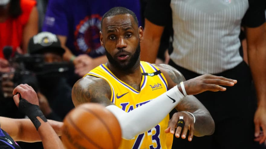 LeBron first active NBA player with $1B in career earnings