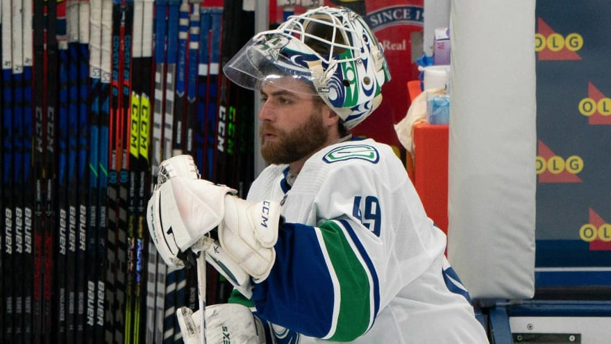 Former Vezina winner Braden Holtby signs with Dallas Stars