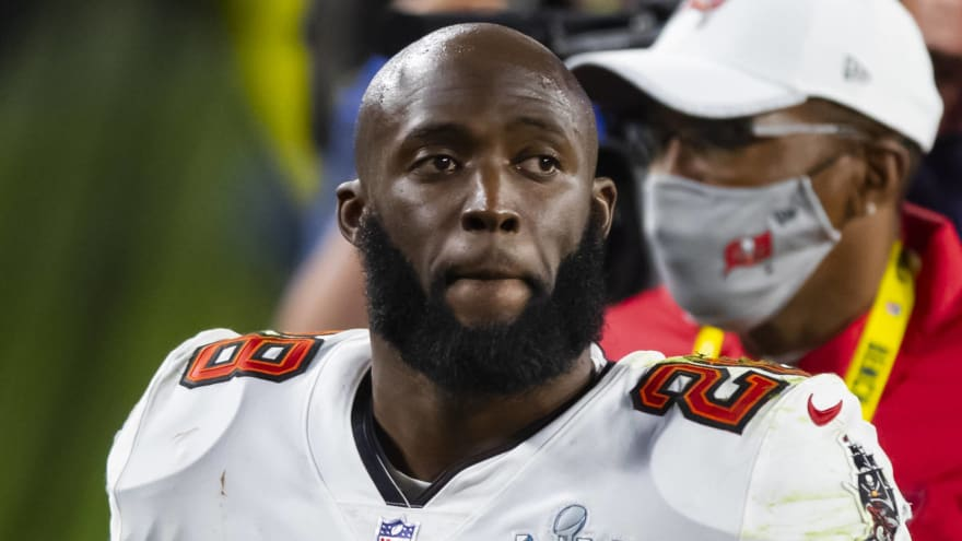 Fournette mulling offers from Bucs, Seahawks, perhaps Patriots
