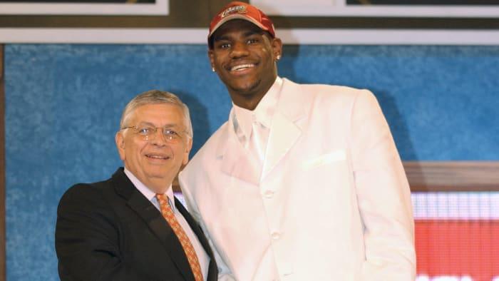 Cleveland Cavaliers - LeBron James (1)