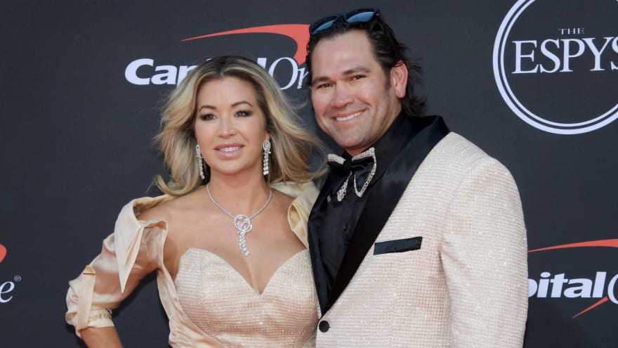 Johnny Damon's wife Michelle also arrested, shoved officer during DUI stop