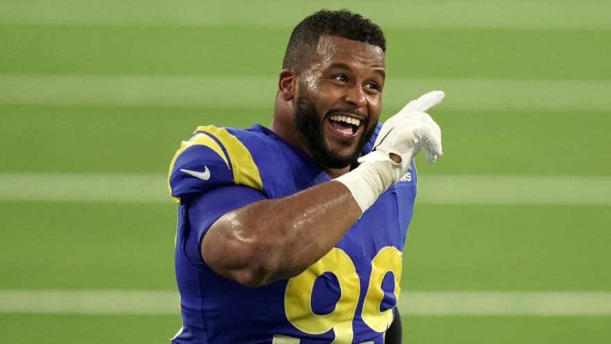 Rams' Aaron Donald the betting favorite to win NFL's Defensive Player of the Year Award