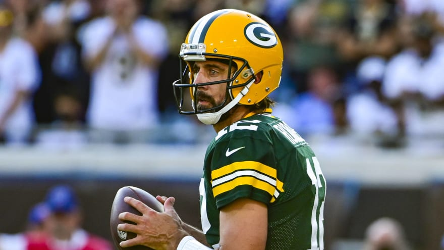 Aaron Rodgers provides great excuse for first INT of season