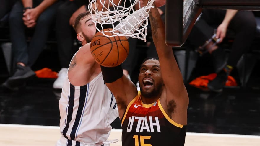 Jazz trade Derrick Favors, first-round pick to Thunder for second-round pick