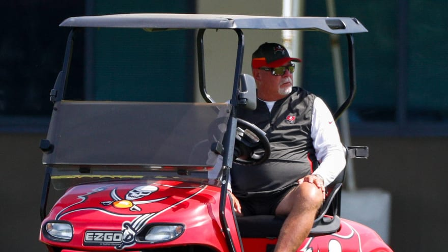 Bucs HC Bruce Arians implores players to get COVID-19 vaccine