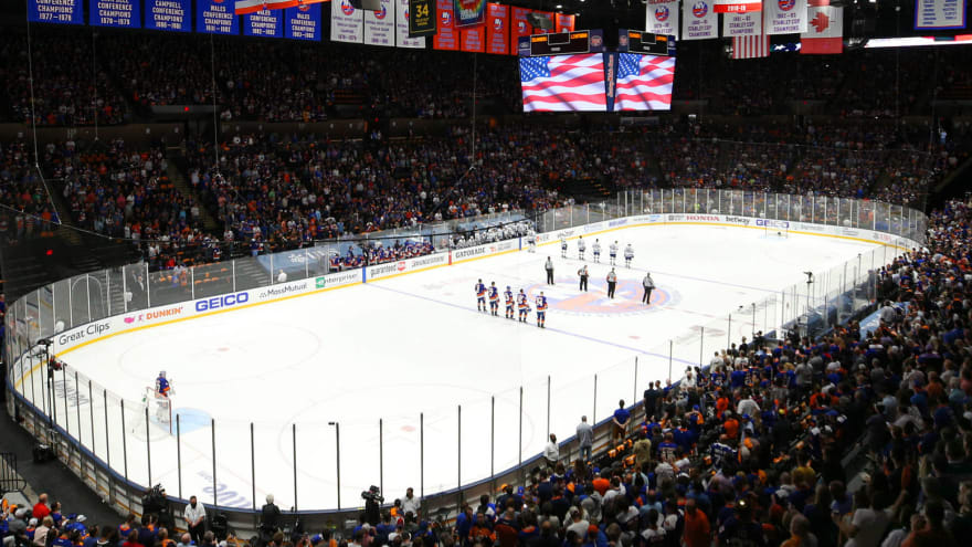 Isles fans join in for moving rendition of national anthem
