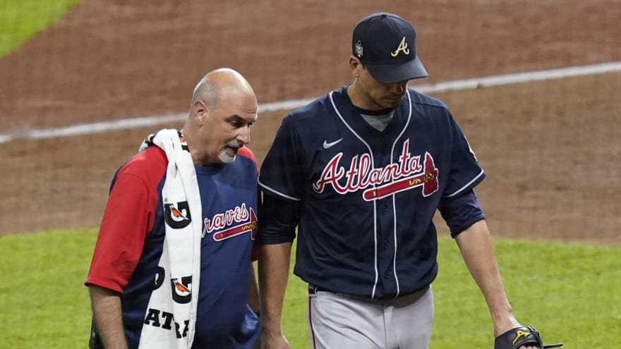 Charlie Morton suffers broken leg, out for World Series