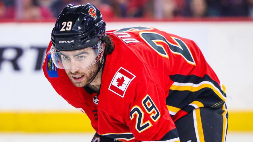 Flames sign Dillon Dube to three-year, $6.9M deal