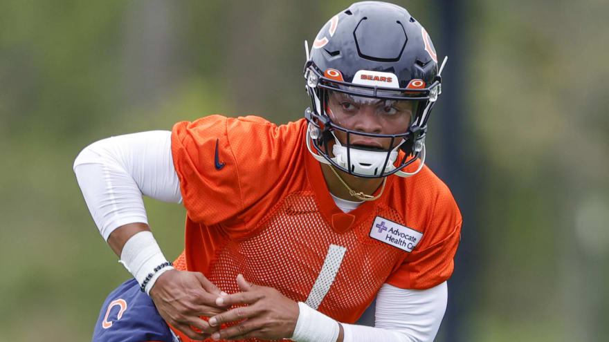 Bears will hold QB competition between Fields, Dalton