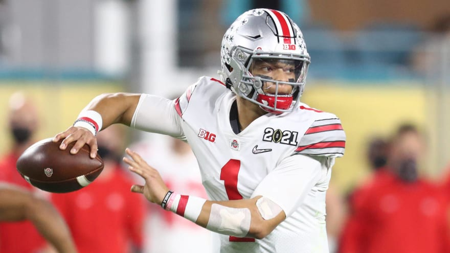 Justin Fields the betting favorite to be No. 3 pick