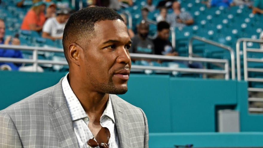 Unimpressed Michael Strahan calls Chris Harrison's 'GMA' apology a 'surface response'