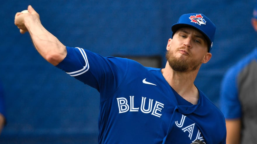 Mariners agree to two-year deal with Ken Giles