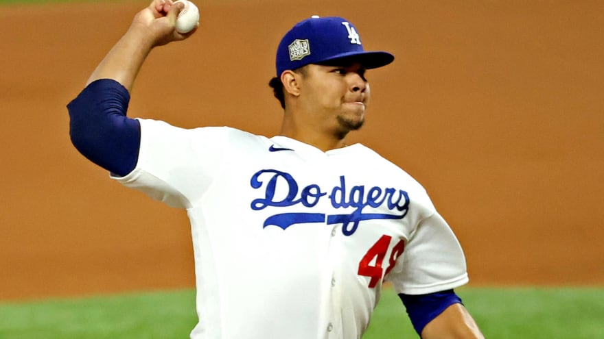 Report: Dodgers' Brusdar Graterol on IL due to previous battle with COVID-19