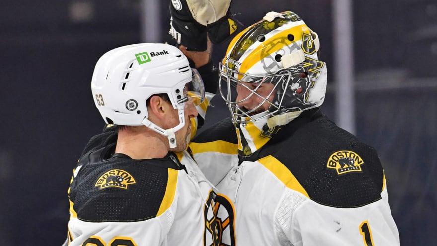 Brad Marchand praises Bruins rookie goaltender Jeremy Swayman