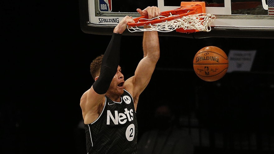 Watch: Blake Griffin throws down huge dunk on Giannis Antetokounmpo