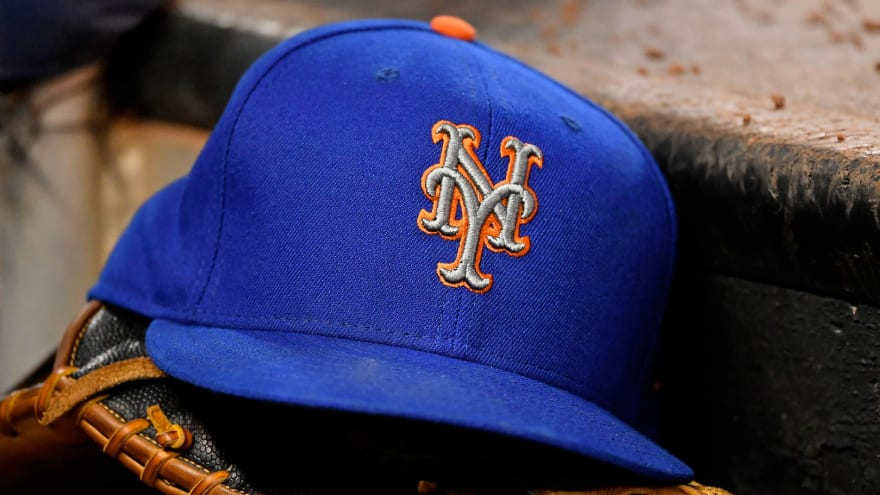 At least five potential buyers submit bids for Mets
