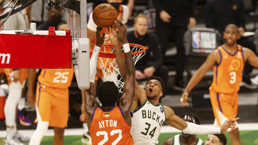 Giannis delivers game-changing block on DeAndre Ayton