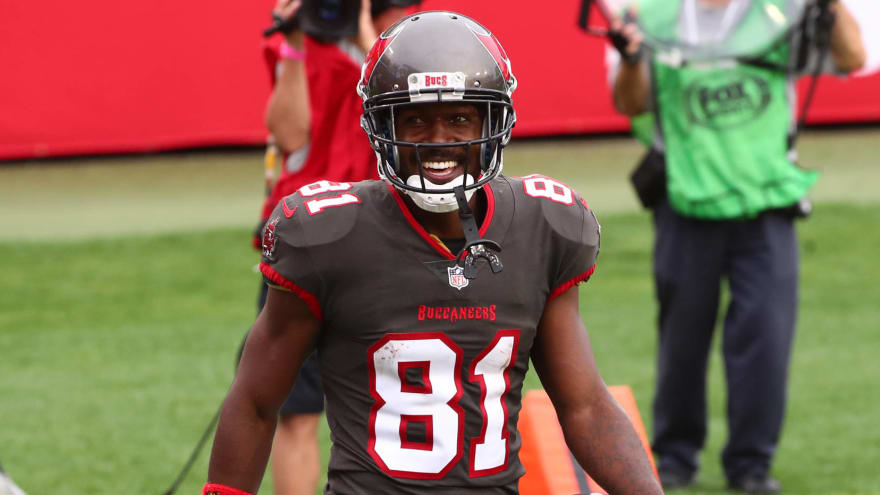 Antonio Brown positive for COVID, unlikely to play at Rams