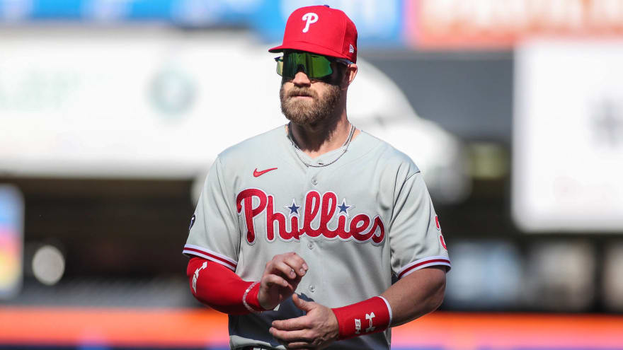 Bryce Harper exits after being hit in face by pitch