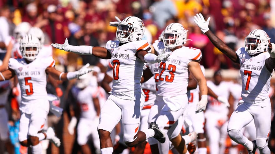 Minnesota botches comeback in upset to Bowling Green