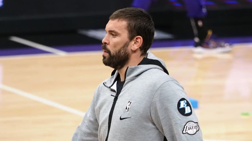 Gasol still 'fully committed' to Lakers despite Drummond starting