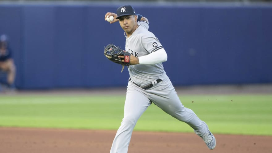 Yankees move shortstop Gleyber Torres to second base