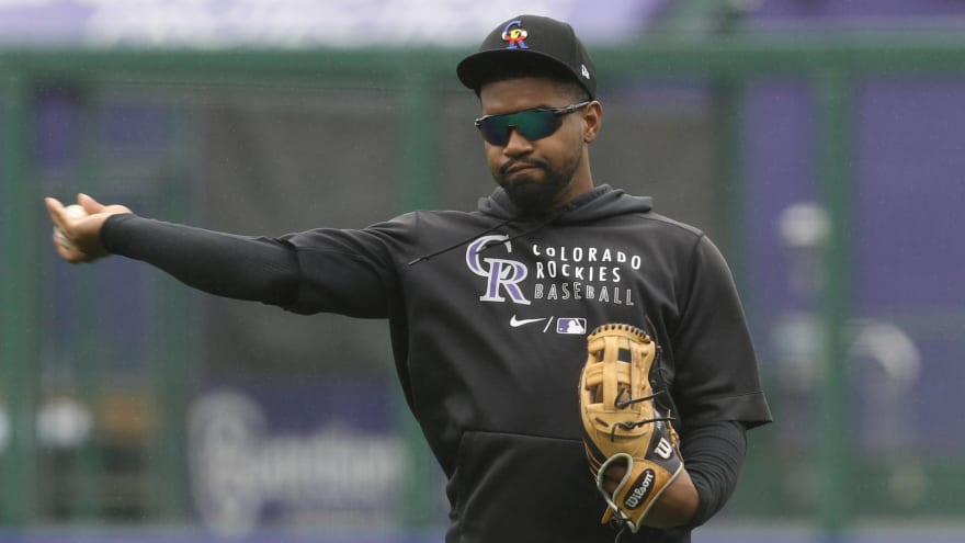 Reds, Rockies finalizing Mychal Givens trade