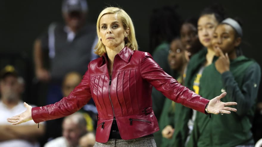 Kim Mulkey gives awful post-game speech about Baylor scandal