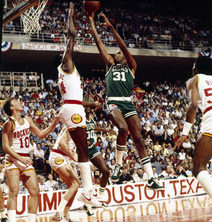 1981: Cedric Maxwell
