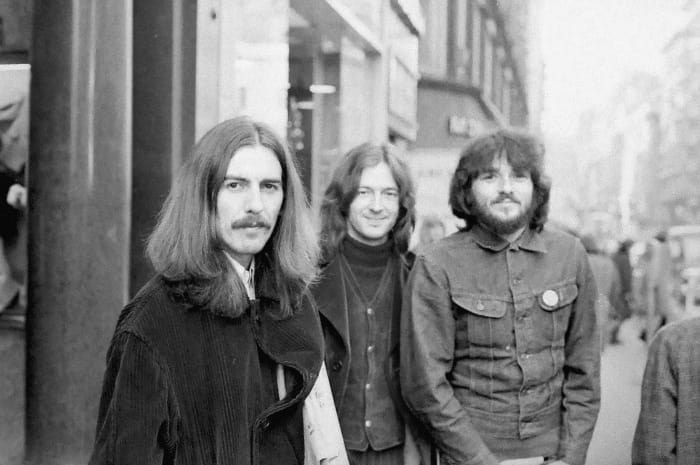 """The Beatles & Eric Clapton - """"While My Guitar Gently Weeps"""""""