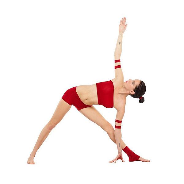 trikonasana yoga pose