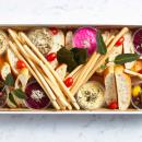 Dips & bread platter (pp)