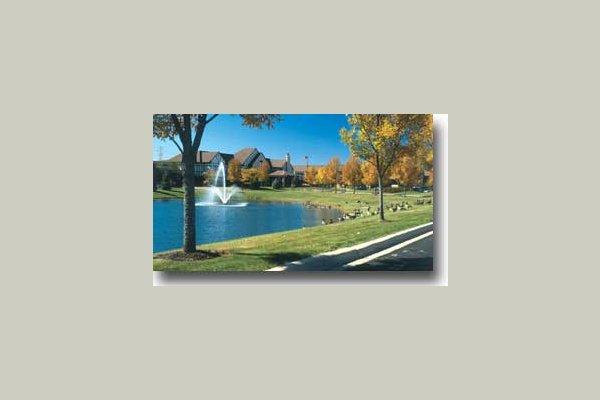 Windsor Park Manor 8160